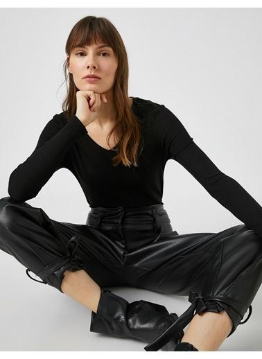 Koton V Yaka Uzun Kollu Tisört Siyah